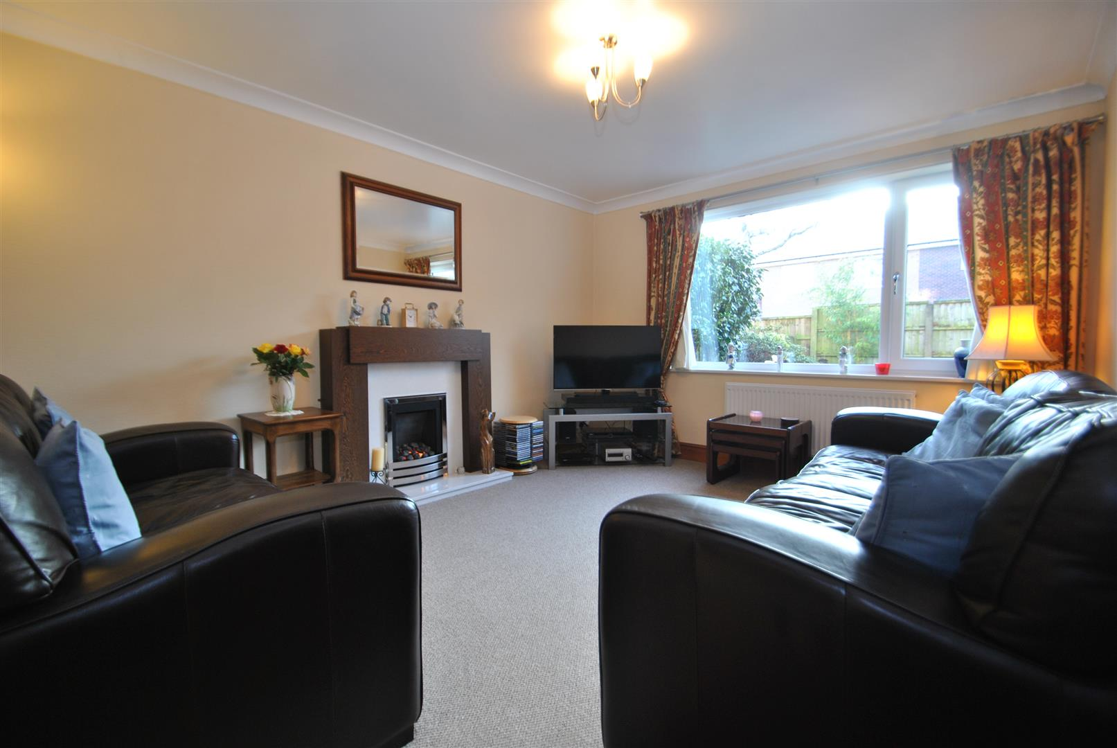 3 Bedrooms Terraced House for sale in St. Monicas Close, APPLETON, Warrington, WA4